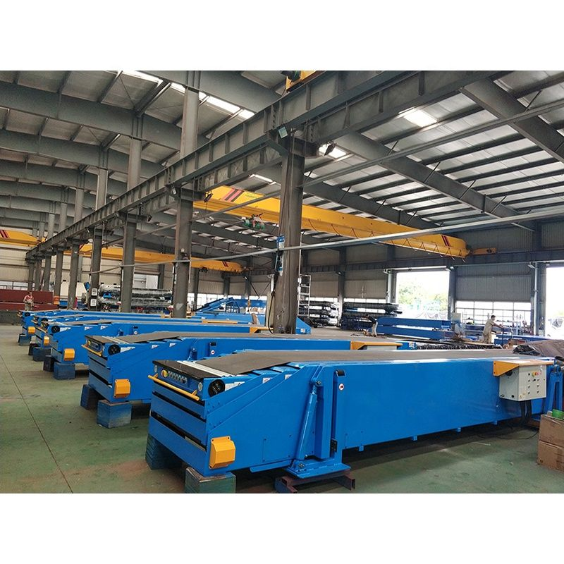 Hot sales telescopic light conveyor belt with wheel table for box loading