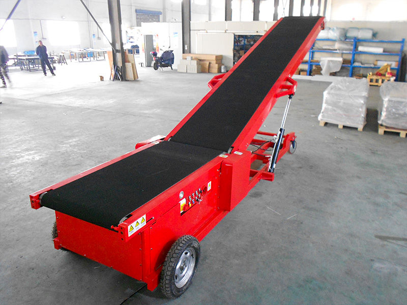 Trailer conveyor systems for Canada Furniture Factory