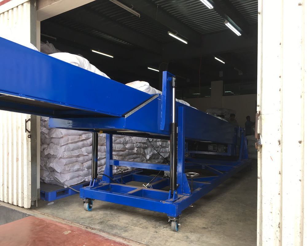 YiFan loading z type belt conveyor factory for storehouse-2
