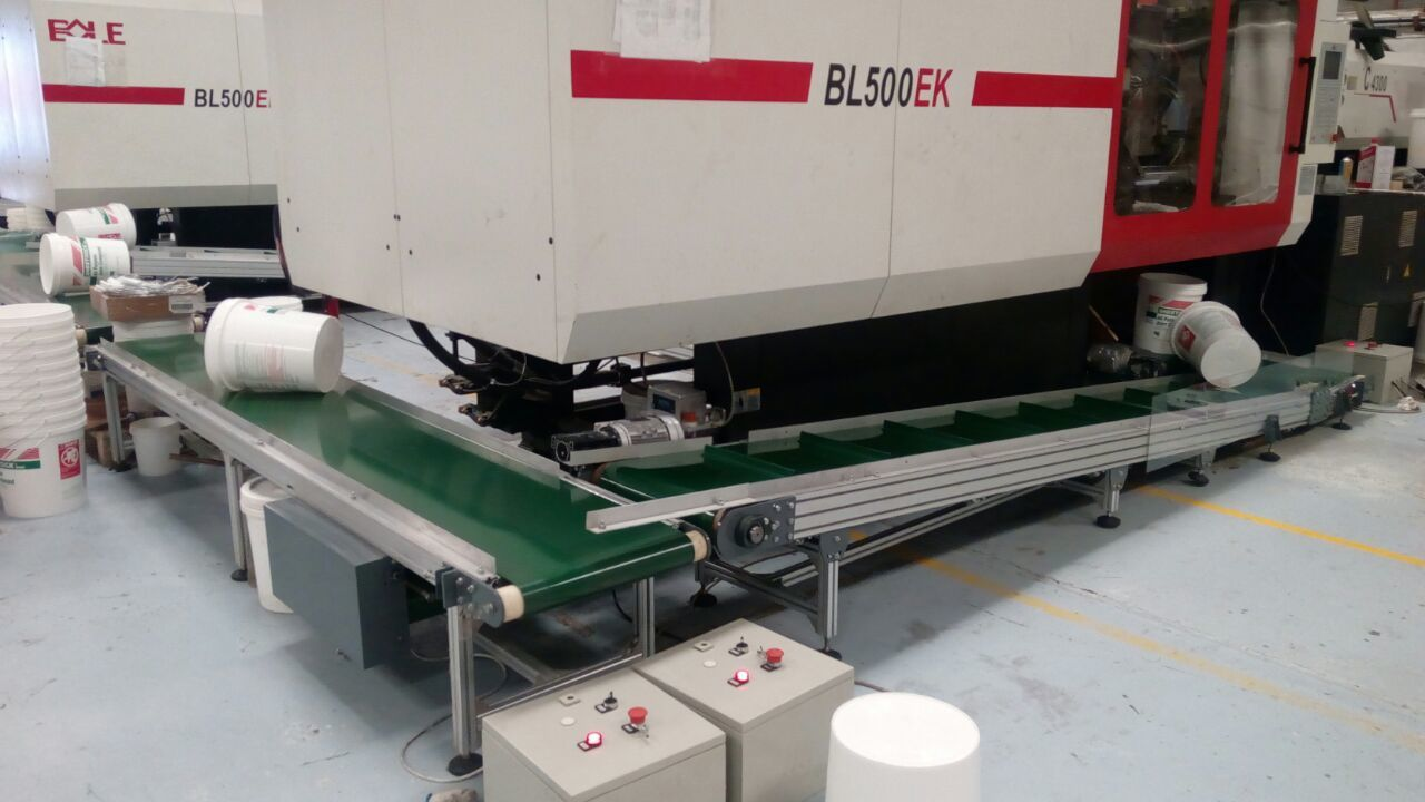 Aluminum Belt Conveyor for plastic injection machine