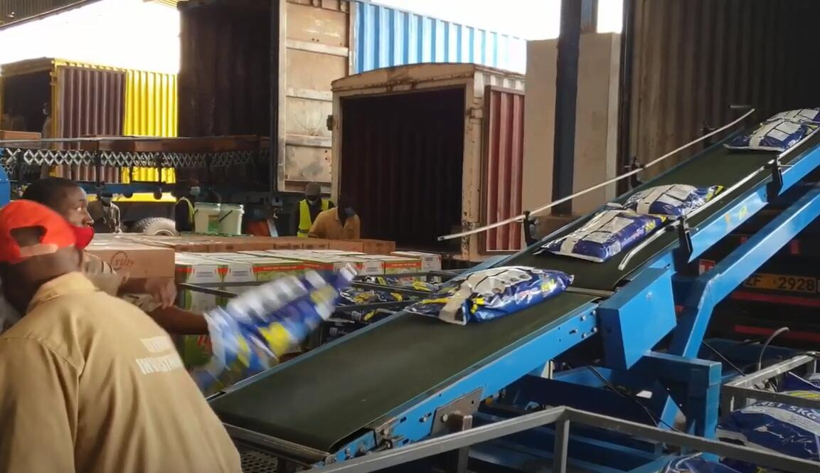 Conveyor Automatic Loading Bags into Truck Containers